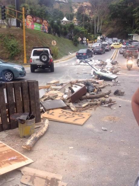 #NoHayPaso, na região Colinas de Tamanaco, na periferia de Caracas