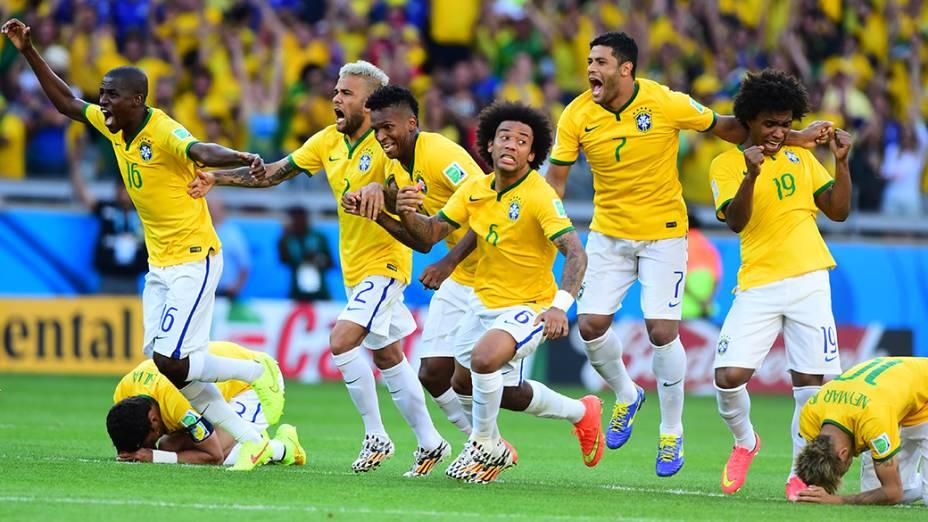 Jogadores do Brasil comemora vitória nos pênaltissobre o Chile