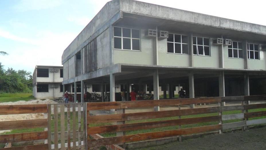 Foto do início do mês de junho mostra a situação das obras do campus de Benjamin Constant da Universidade Federal do Amazonas (Ufam). Construção foi inciada em 2008 e até hoje não foi concluída