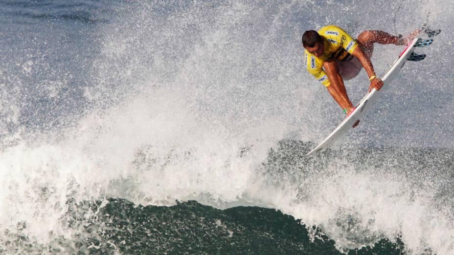 Surfista brasileiro Jadson André durante o Billabong Pro Rio na praia do Arpoador
