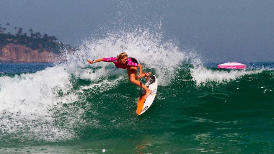 Laura Enever da Austrália durante rodada de competições no Billabong Pro Rio