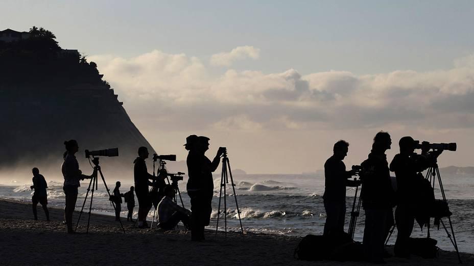 Fotógrafos durante o Billabong Pro Rio, realizado na praia do Arpoador, Rio de Janeiro