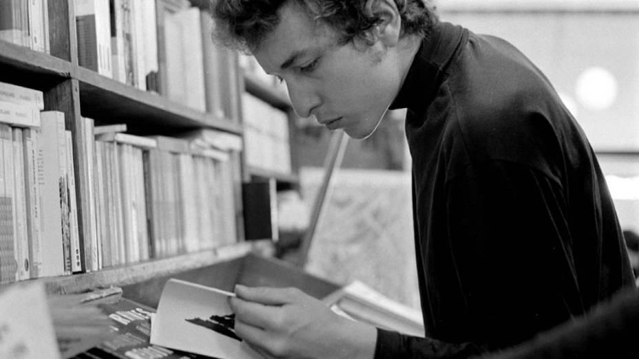 Bob Dylan em livraria na cidade de Nova York, 1964