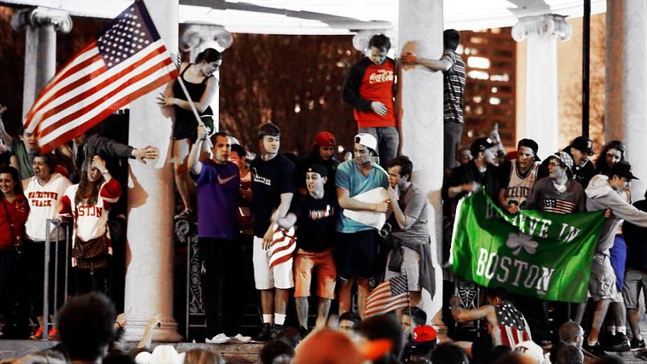 População comemora prisão de suspeito de atentados em Boston