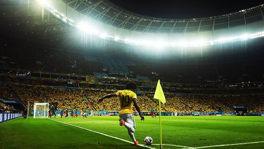 Willian cobra escanteio no jogo contra Camarões
