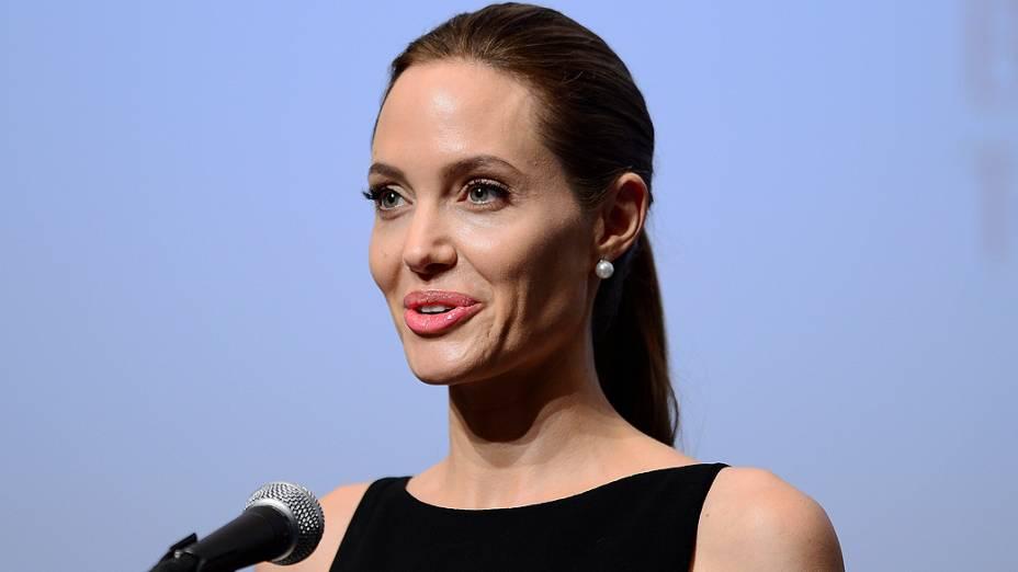 Angelina Jolie durante estréia do filme Guerra Mundial Z em Tóquio, no Japão