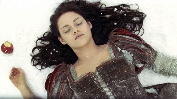 Kristen Stewart no filme Branca de Neve e o Caçador