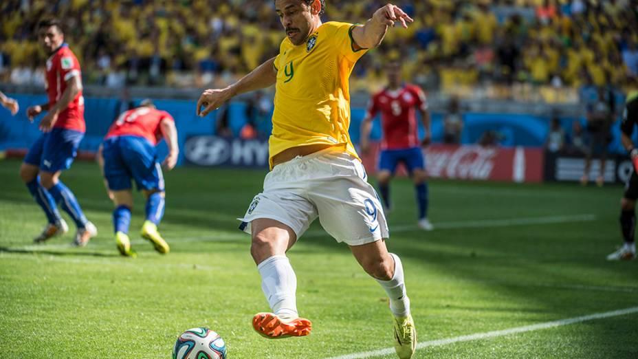 Fred durante o jogo contra o Chile no Mineirão, em Belo Horizonte