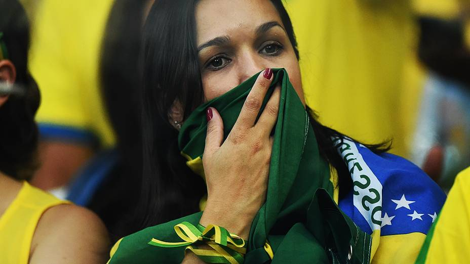 Torcedora durante o jogo entre Brasil e Alemanha