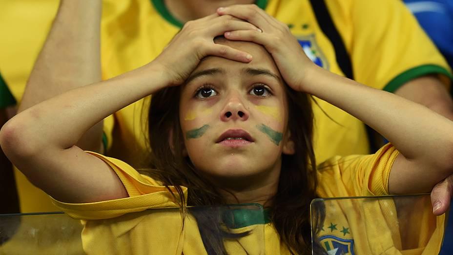 Criança durante o jogo entre Brasil e Alemanha no Mineirão, em Belo Horizonte