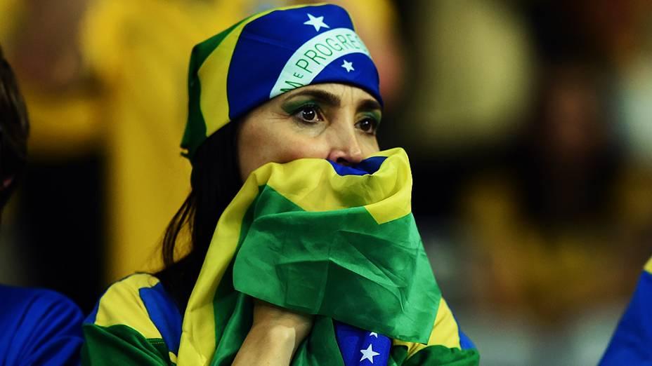 Torcedora do Brasil durante o jogo contra a Alemanha