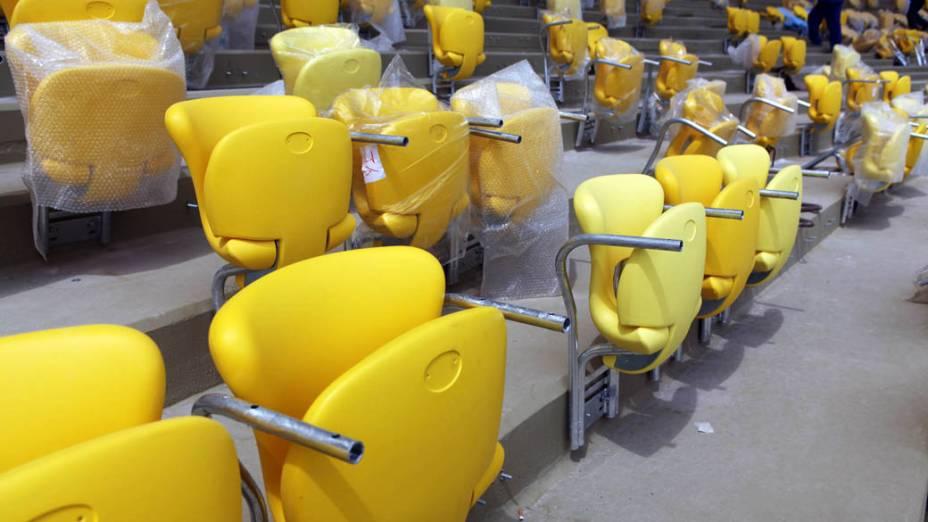 Com 95% de obras concluídas, o Maracanã já mostra a forma de uma arena de futebol