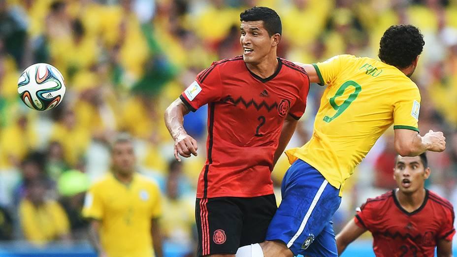 Lance no jogo entre Brasil e México no Castelão, em Fortaleza