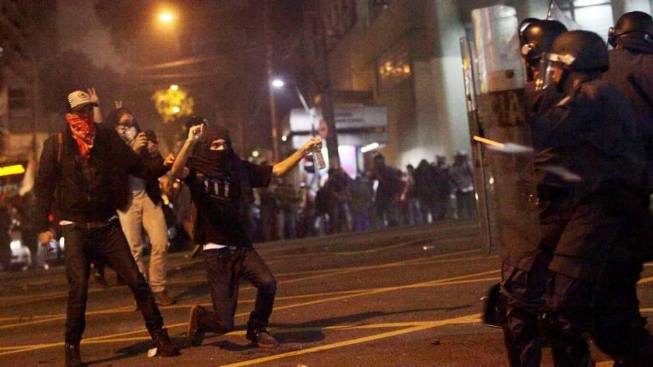 Protesto contra o aumento das tarifas do transporte público na cidade, de São Paulo (SP), nesta quinta-feira (13)