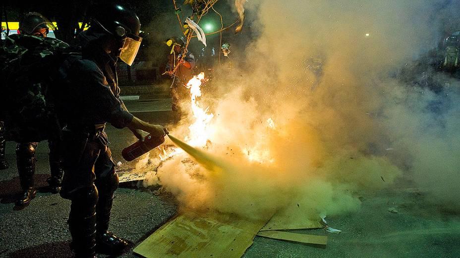 Manifestantes realizam 4º protesto após aumento da tarifa do transporte público em São Paulo, nesta quinta (13)