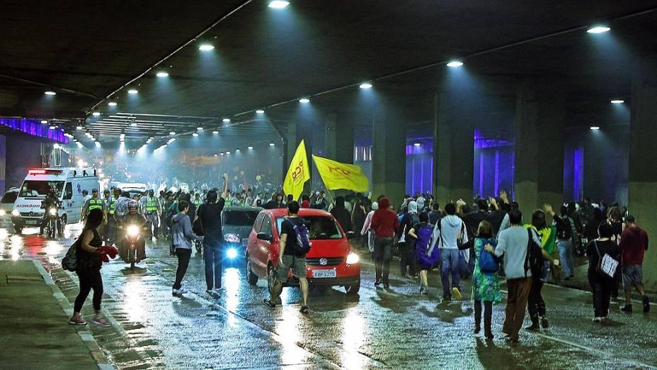 Protesto contra o aumento das tarifas dos ônibus municipais, do Metrô e dos trens da CPTM acontece nesta terça-feira (11) no Centro de São Paulo
