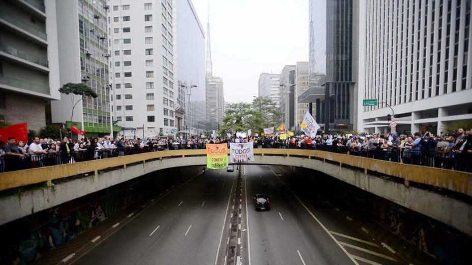 São Paulo - Manifestantes ocupam a Avenida Paulista, durante o 7º dia de protesto