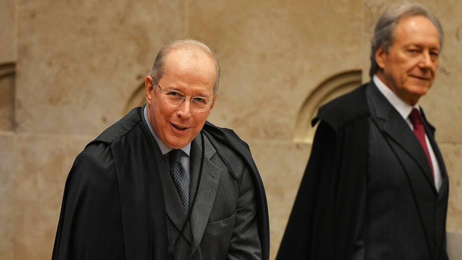 Ministros Celso de Mello e Ricardo Lewandowski, durante o julgamento do mensalão