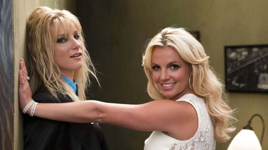 Britney fez uma participação especial no seriado <em>Glee</em>. Acima, a cantora reencena seu clipe <em>Me Against the Music</em>, que foi gravado com Madonna em 2003