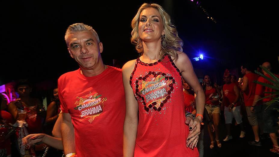 Ana Hickmann e Alexandre Corrêa no Camarote do Sambódromo do Anhembi, em São Paulo