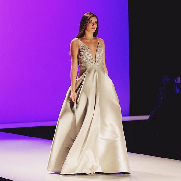 A atriz e modelo Camila Queiroz