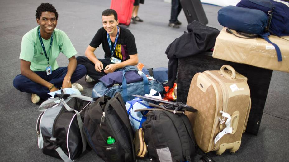 Gilvan Julien, de Porto Velho, Rondônia, e Weliton Fonseca, de Unaí, Minas Gerais, no primeiro dia da Campus Party no Parque Anhembi, São Paulo