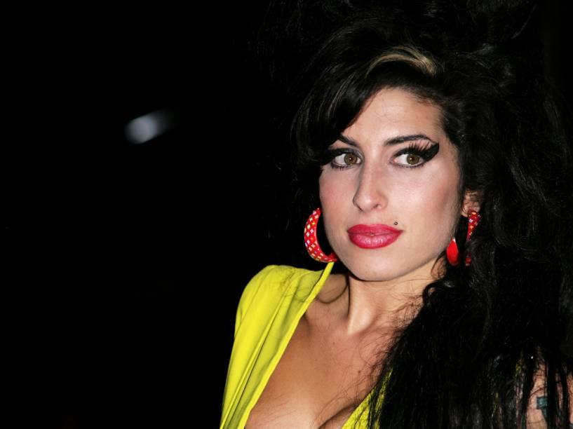Cantora Amy Winehouse chega ao BRIT Awards 2007, em Londres