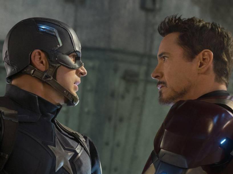 Capitão América (Chris Evans) e Homem de Ferro (Robert Downey Jr) no filme Capitão América: Guerra Civil