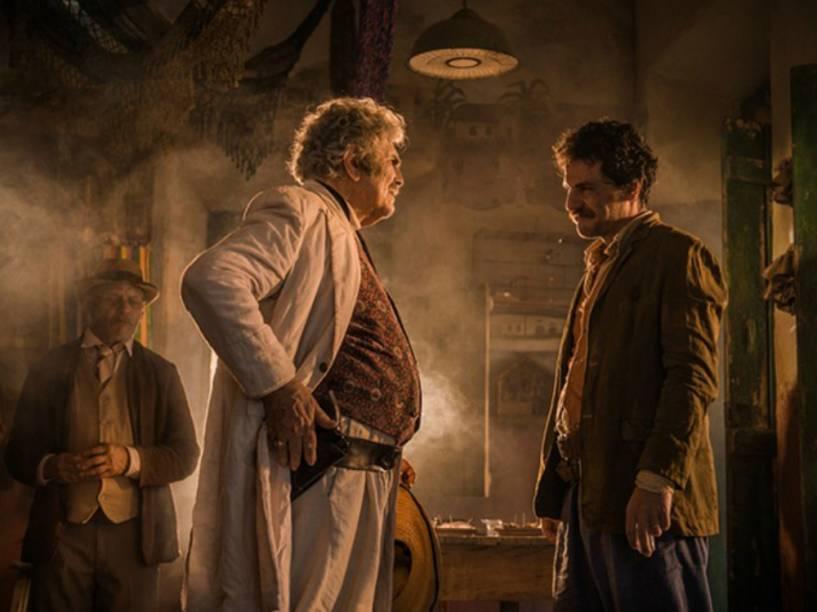 Capitão Rosa (Rodrigo Lombardi) discute com Jacinto (Tarcísio Meira) em Velho Chico