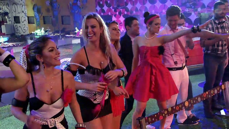 Banda Barão Vermelho anima participantes do BBB13
