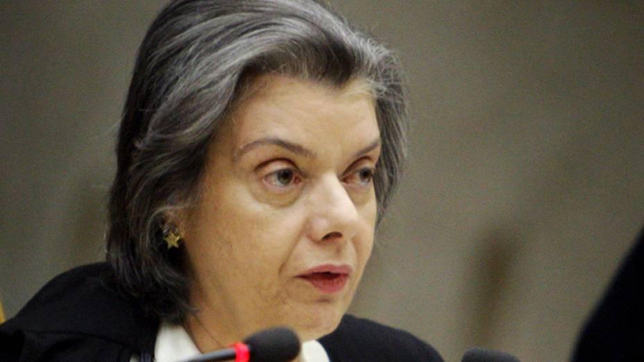 Ministra Cármen Lúcia em sessão que retoma o julgamento do mensalão
