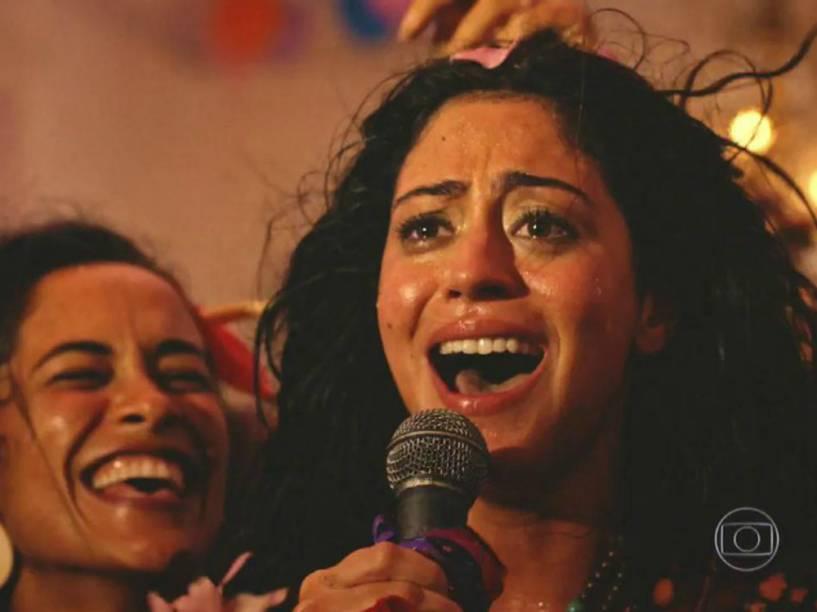 Carol Castro interpreta cantora em Velho Chico
