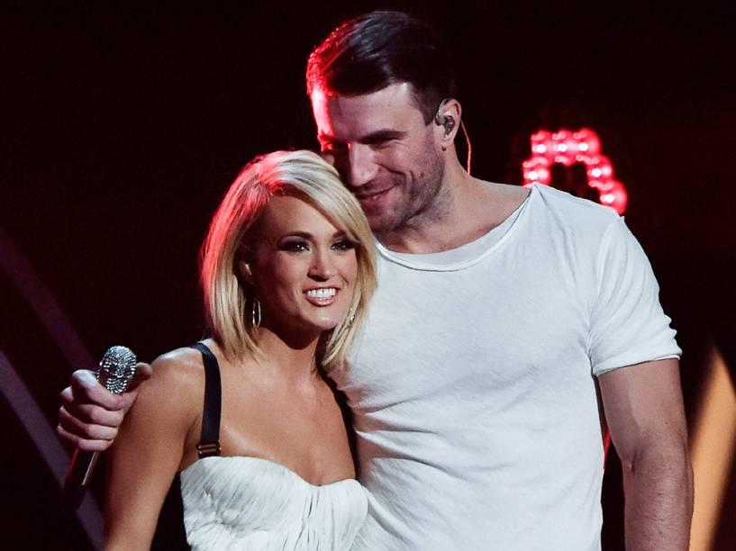 Carrie Underwood e Sam Hunt se apresentam no Grammy 2016