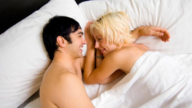 casal-cama-sorrindo-20112110-original.jpeg