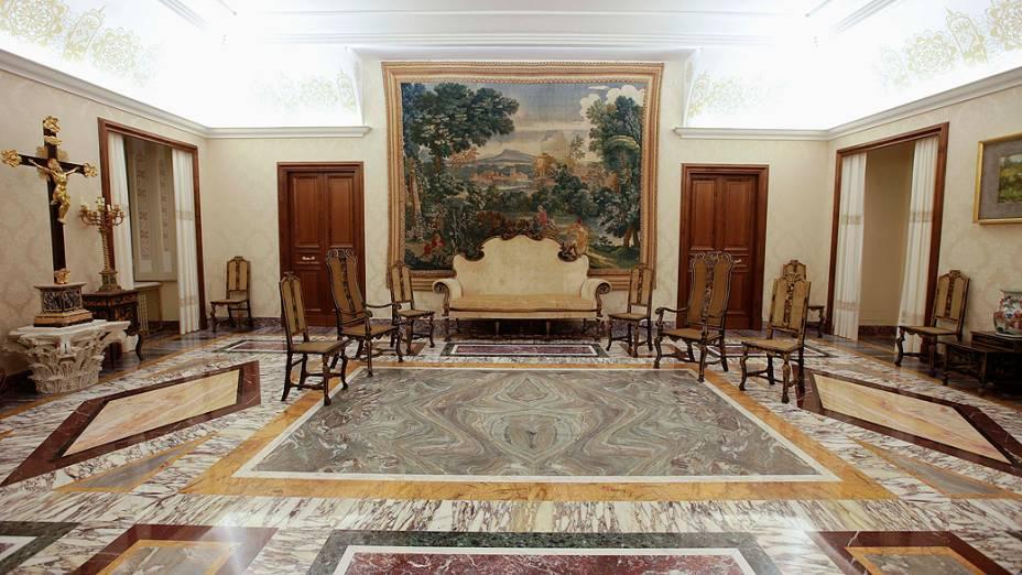 """O """"quarto chinês"""" da residência de verão onde Bento XVI permanecerá por dois meses após a renúncia"""