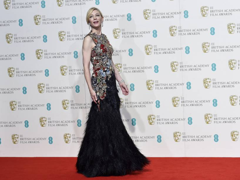Cate Blanchett posa no tapete vermelho do British Academy of Film and Television Arts (BAFTA), no Royal Opera Hous, em Londres