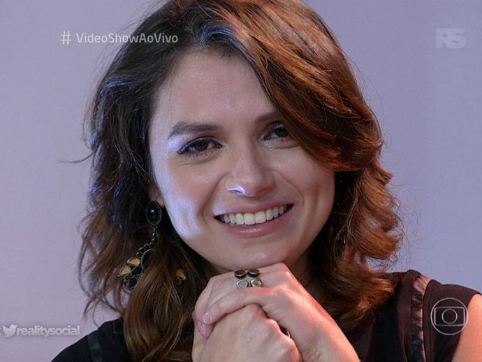 Monica Iozzi chora na despedida do Vídeo Show