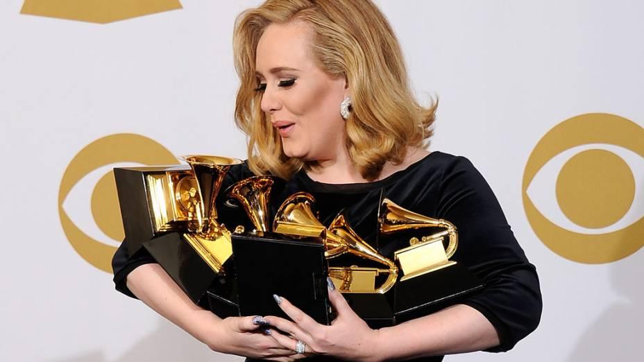 Adele vence todos os seis prêmios aos quais foi indicada no Grammy de 2012