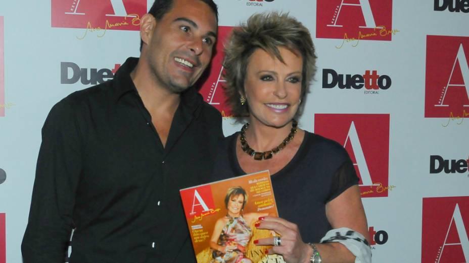 Ana Maria Braga e seu namorado, no pré-lançamento de sua revista