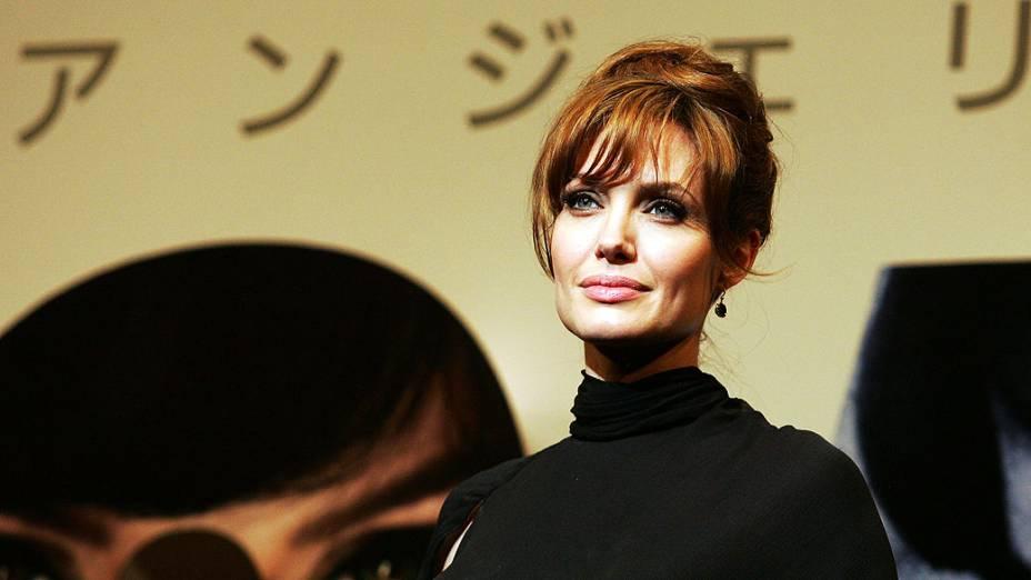 Angelina Jolie participa premiere  de filme no Fórum Internacional de Tóquio, no Japão