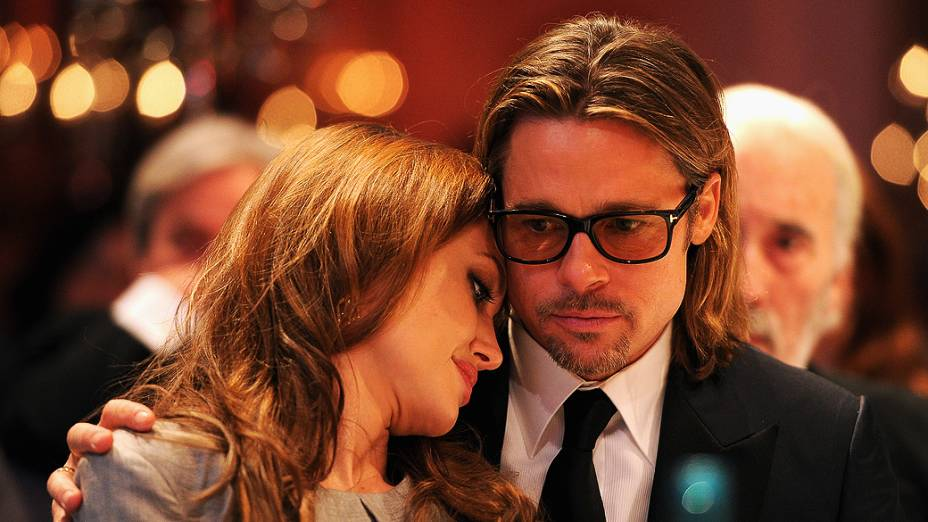 Angelina Jolie e Brad Pitt participam do Cinema for Peace cerimônia de gala do Festival de Cinema Internacional de Berlim, na Alemanha