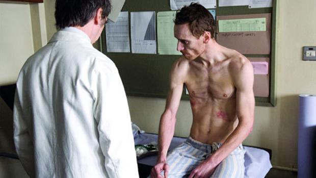 Michael Fassbender no filme Fome (2008)
