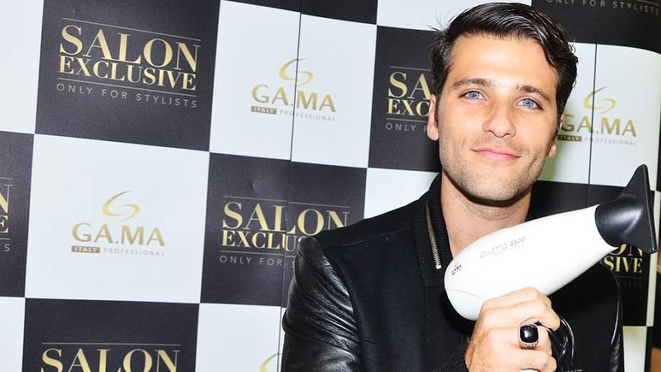 Bruno Gagliasso esteve presente na Beauty Fair 2013 <br><br>