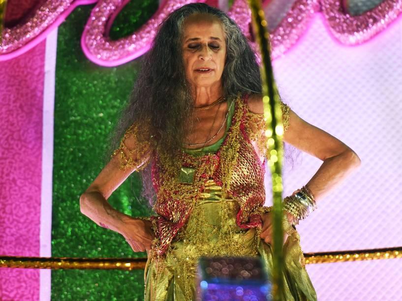 A cantora Maria Bethania é homenageada pela Mangueira