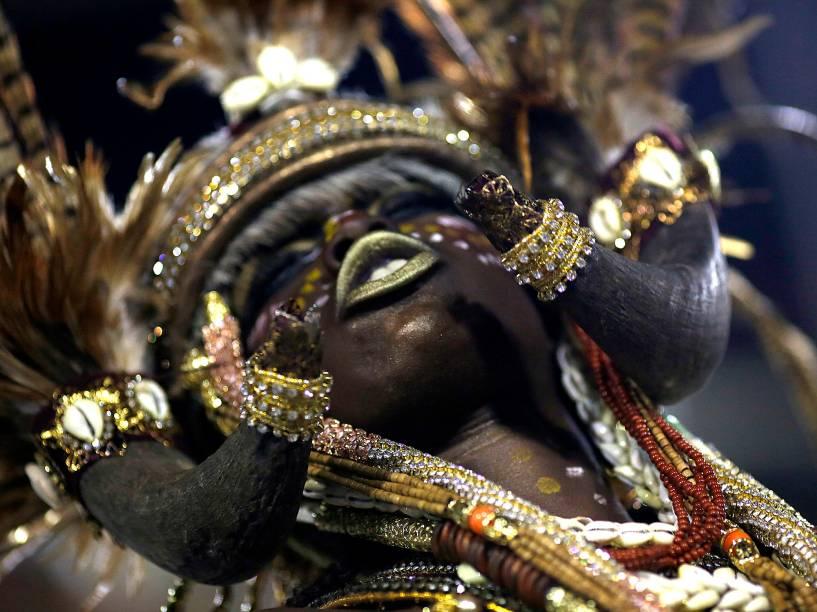 Mangueira encerra os desfiles do Grupo Especial na Sapucaí