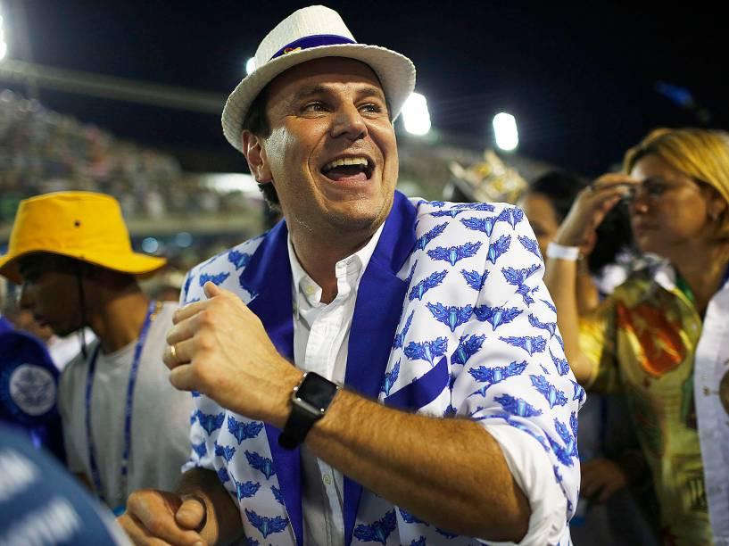 O prefeito do Rio de Janeiro, Eduardo Paes, no segundo dia de desfiles do Grupo Especial na Sapucaí