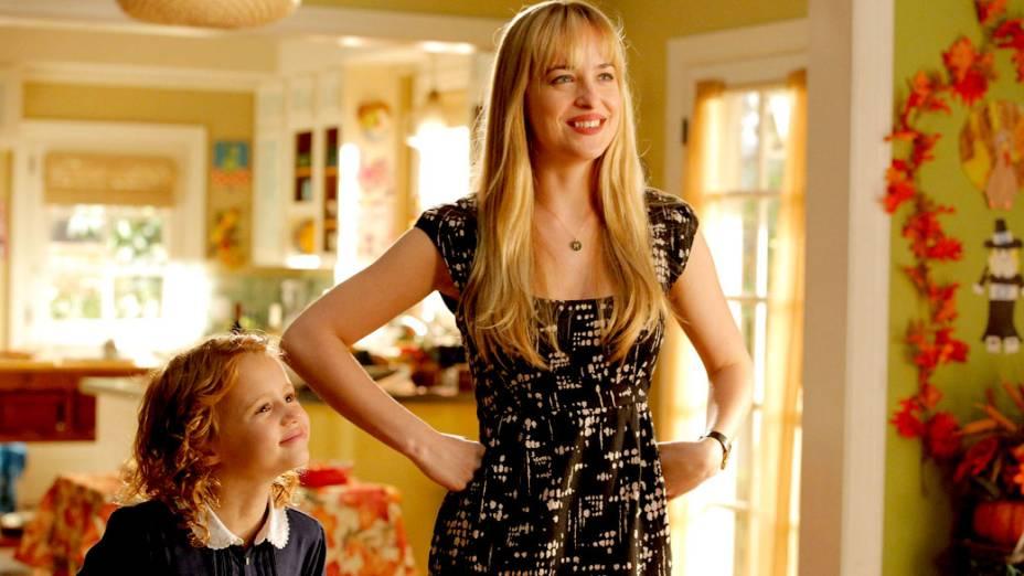 Dakota Johnson ficou conhecida por seu papel na série Ben e Kate