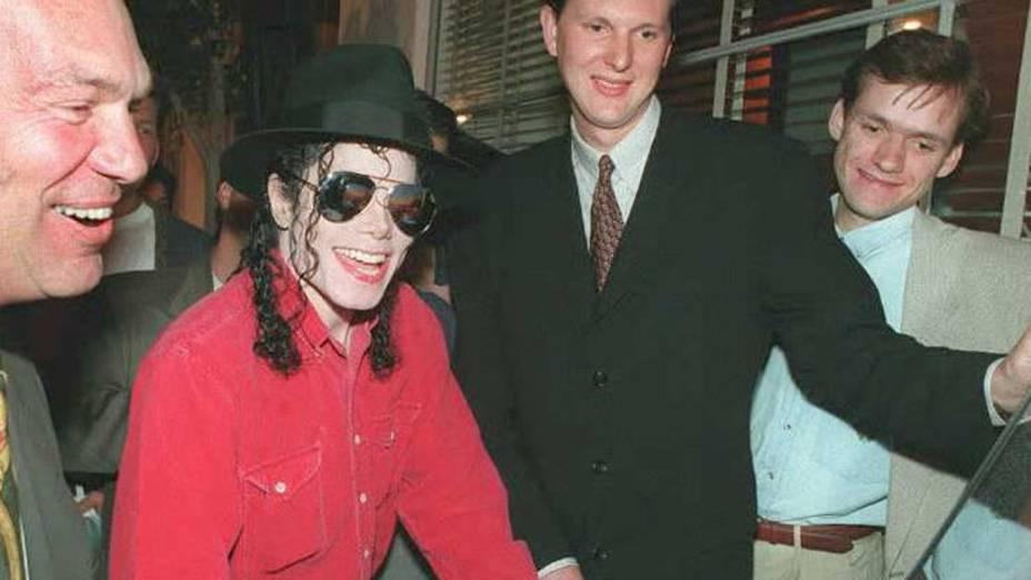Michael Jackson durante o lançamento do Playstation