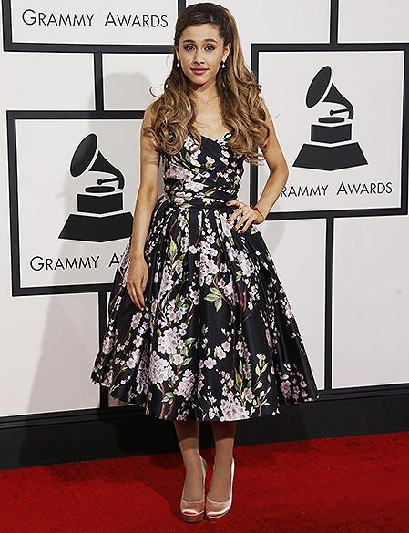 Ariana Grande na chegada para a premiação do Grammy 2014, em Los Angeles