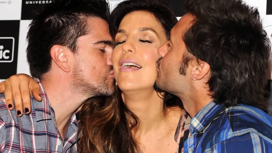 Os cantores Juanes, Ivete Sangalo e Diego Torres em Nova York
